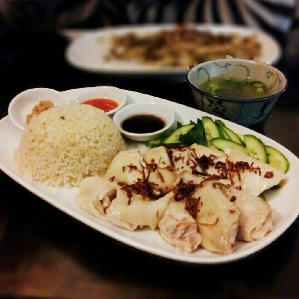 Photo taken at Jackie M Malaysian Cuisine by The Very Hungry Katerpilla on 8/23/2012