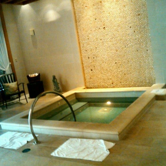 Photo taken at The Spa at Ponte Vedra Inn & Club by Holly M. on 9/7/2011