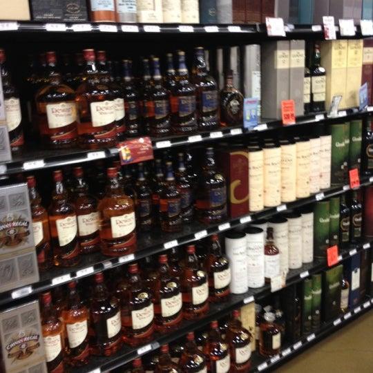 Foto tirada no(a) Argonaut Wine & Liquor por Destiny D. em 4/11/2012