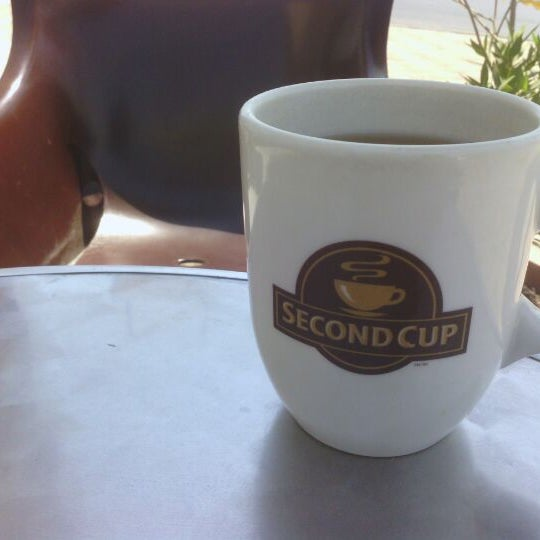 Photo taken at SECOND CUP by Abdullah A. A. on 9/29/2011