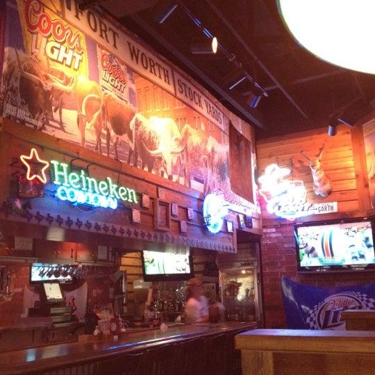 Photo taken at Texas Roadhouse by Kristin G. on 11/13/2011