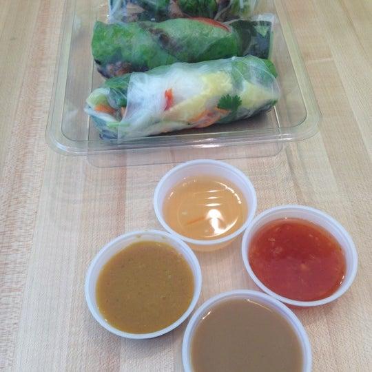 Photo taken at Freshroll Vietnamese Rolls & Bowls by Laureen E. on 8/22/2012