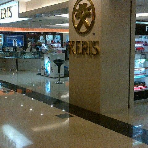 Photo taken at Keris Departement Store by Herry H. on 7/9/2012