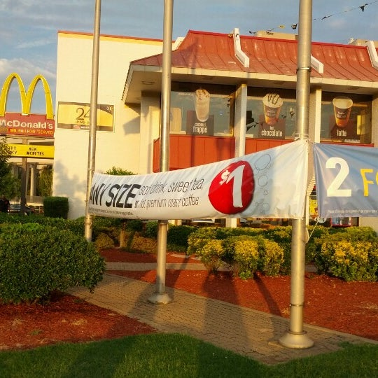 Photo taken at McDonald's by Max G. on 8/10/2012