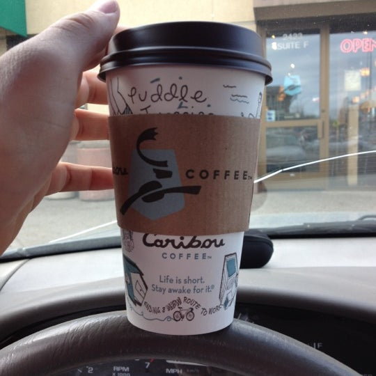 Indulge your taste buds to fully aromatic, flavorful brew of the Keurig K-Cup Caribou Coffee Caribou Blend Coffee. This versatile coffee blend offers a full-bodied taste with syrupy, fruity tones for a .