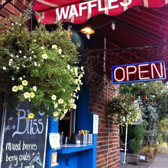 Foto tirada no(a) The Waffle Window por Emily Z. em 8/28/2012