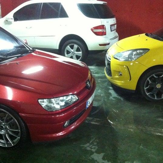 6/9/2012 tarihinde Erel H.ziyaretçi tarafından F&F Car Clean'de çekilen fotoğraf