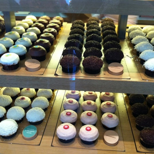 Photo taken at Sprinkles Cupcakes by Kathy S. on 5/19/2012
