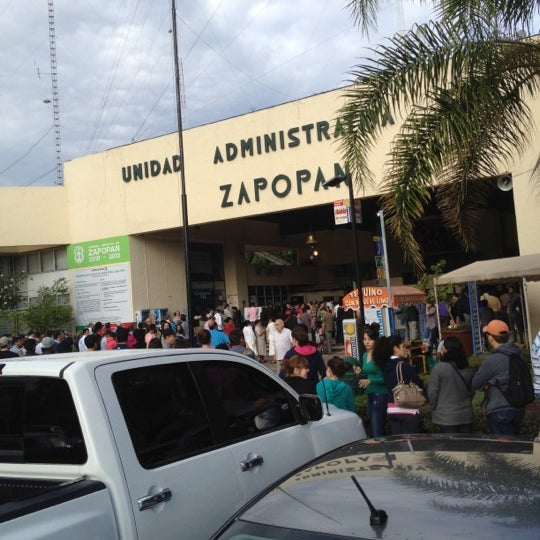 Foto tomada en Unidad Administrativa Las Aguilas por Carolina M. el 7/1/2012