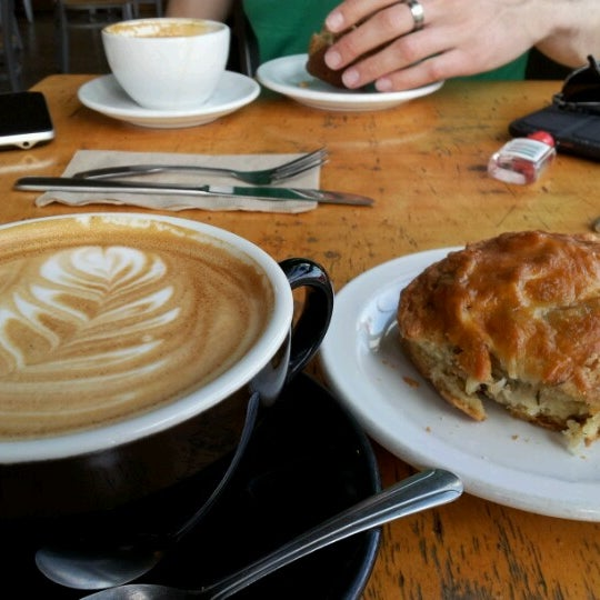 Photo taken at Crema Bakery and Cafe by Dorle S. on 7/16/2012