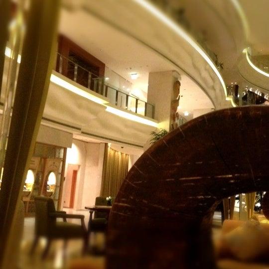 Photo taken at Shangri-La Hotel by BeenaColada on 7/19/2012