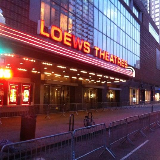 Снимок сделан в AMC Loews Lincoln Square 13 пользователем Anthony J. 7/16/2012
