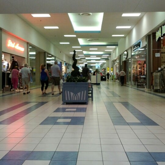 Shoppers World Brampton is Your World Next Door with over shops and services to suit your everyday shopping needs.