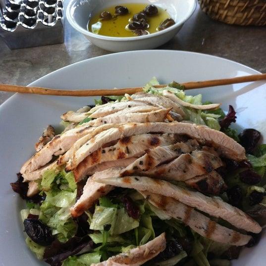 6/24/2012 tarihinde Zuhal Ö.ziyaretçi tarafından Faros Restaurant'de çekilen fotoğraf