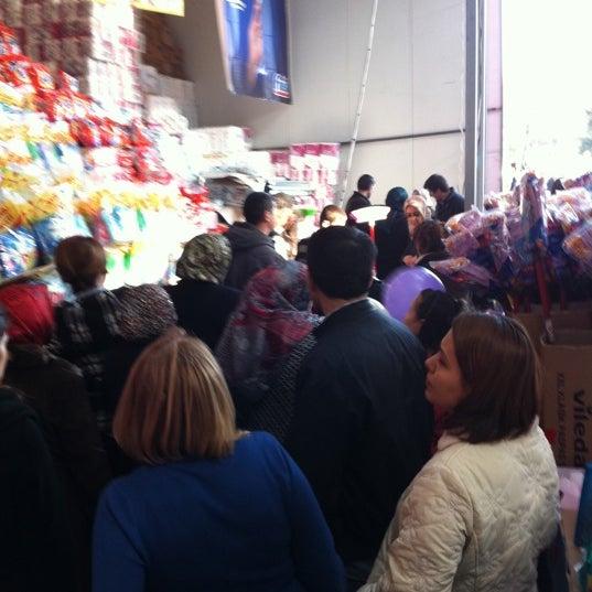 3/17/2012 tarihinde Begüm S.ziyaretçi tarafından Iyaş Market'de çekilen fotoğraf