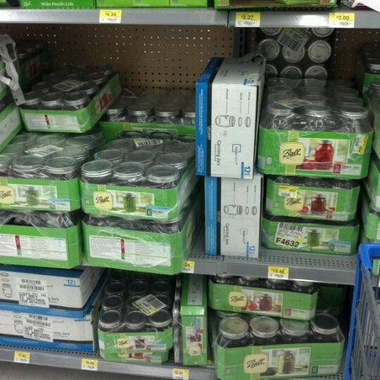 Photo prise au Walmart par Eden le8/29/2012