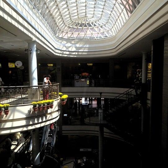 Foto tirada no(a) Shopping Del Paseo por Haroldo F. em 4/24/2012