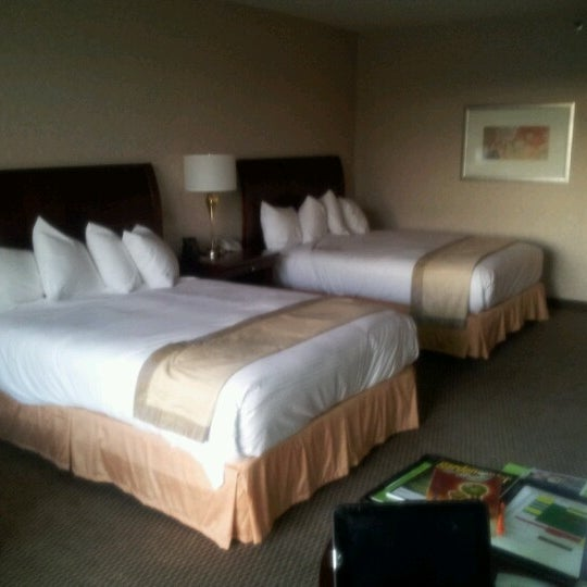 Photo taken at DoubleTree by Hilton Hotel Portland by Miles H. on 8/22/2012