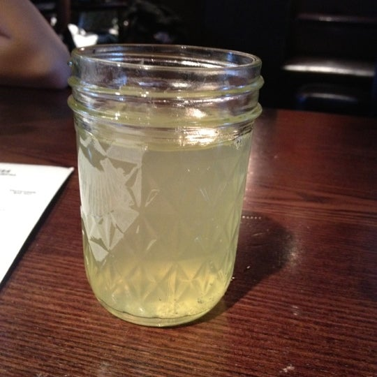 Foto diambil di Bullitt oleh Sofia L. pada 5/5/2012