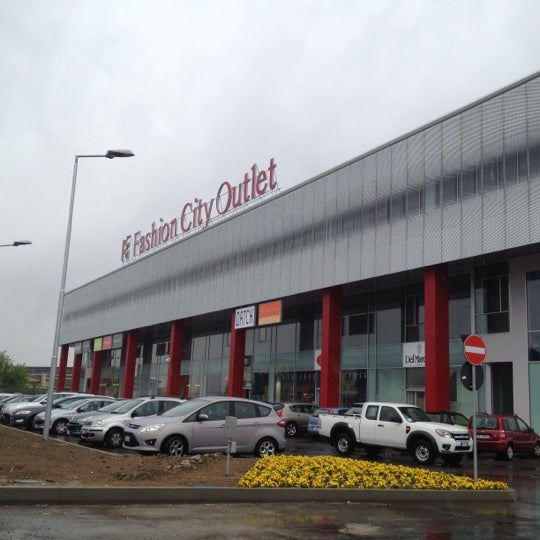 Fashion City Outlet - Shopping Mall in San Giuliano Milanese