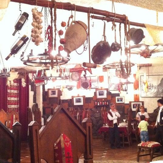 Снимок сделан в Old Erivan Restaurant Complex пользователем Alyona T. 8/16/2012