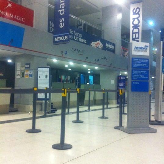 Foto tomada en Aeropuerto Internacional del Neuquén - Presidente Juan D. Perón (NQN) por Andres L. el 7/28/2012