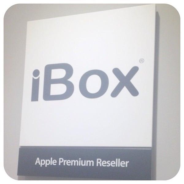 Photos At Apple Store IBox