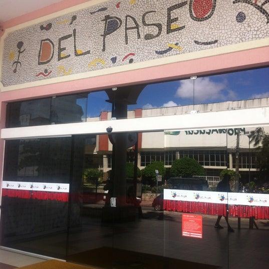 Foto tirada no(a) Shopping Del Paseo por Acrisio F. em 5/21/2012