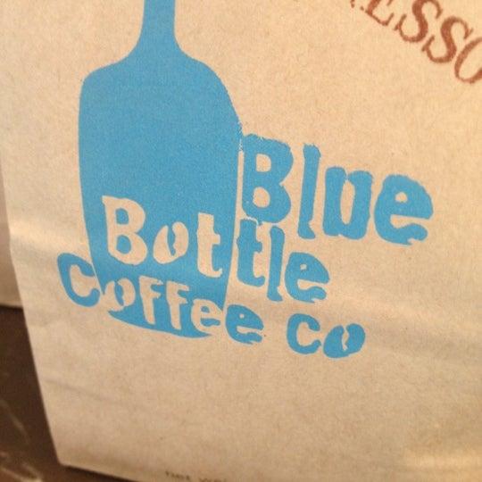 Снимок сделан в Blue Bottle Coffee пользователем jeffery k. 5/3/2012