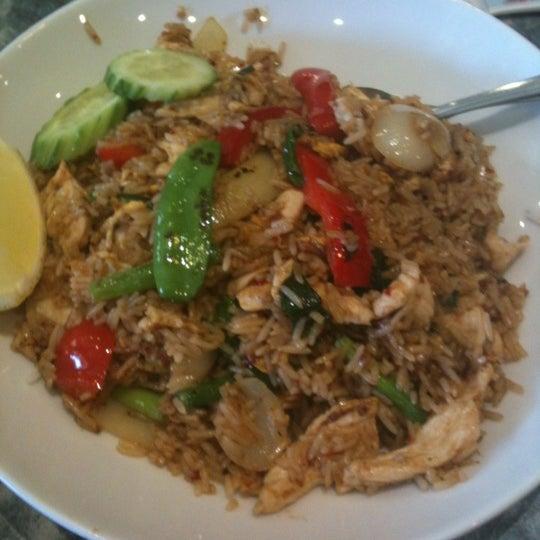 Photo taken at Taste of Thai by Samkurey m. on 7/11/2012