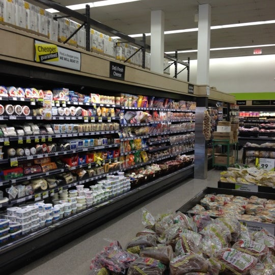 stores kitchener freshco grocery store in kitchener