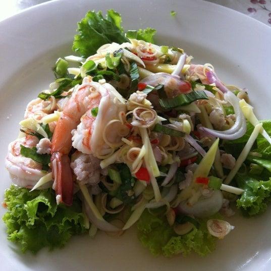 Photo taken at Baan Chom View by Uraiwan O. on 8/26/2012