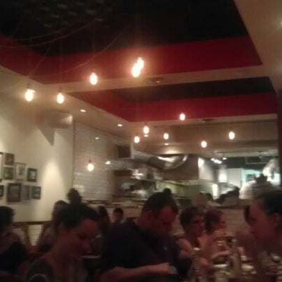 Photo prise au Pizzeria Libretto par Bianca N. le7/18/2012