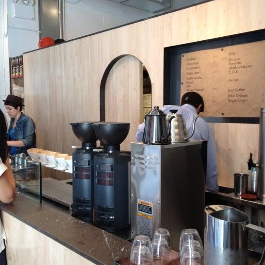 Снимок сделан в Blue Bottle Coffee пользователем Alex A. 6/24/2012