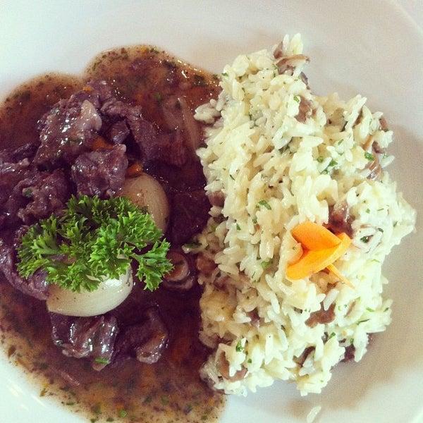 Foto tirada no(a) Zeffiro Restaurante por Renato S. em 2/12/2012
