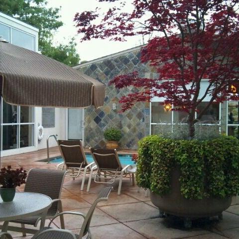 Photo taken at Corporate Inn Sunnyvale by yasumasa 3. on 4/10/2012