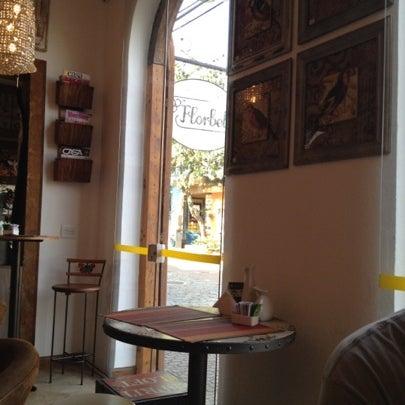 Foto tirada no(a) Florbela Café por Lucas B. em 7/28/2012