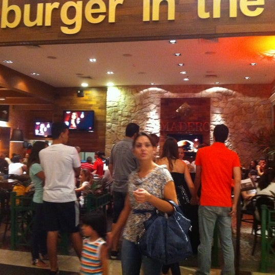 Photo taken at Madero Burger & Grill by Sergio M. on 3/10/2012