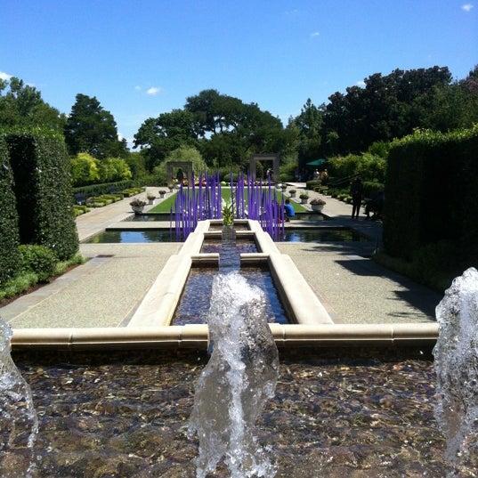 Foto tirada no(a) Dallas Arboretum and Botanical Garden por Quiera em 7/18/2012