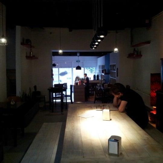 Photo taken at Noir Koffiebar by Erik D. on 9/8/2012