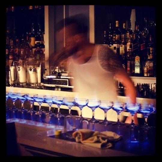 Foto scattata a The Violet Hour da Emerson C. il 3/8/2012