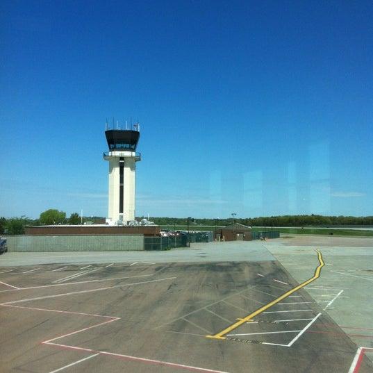 Foto tomada en Burlington International Airport (BTV) por Rodrigue D. el 5/12/2012