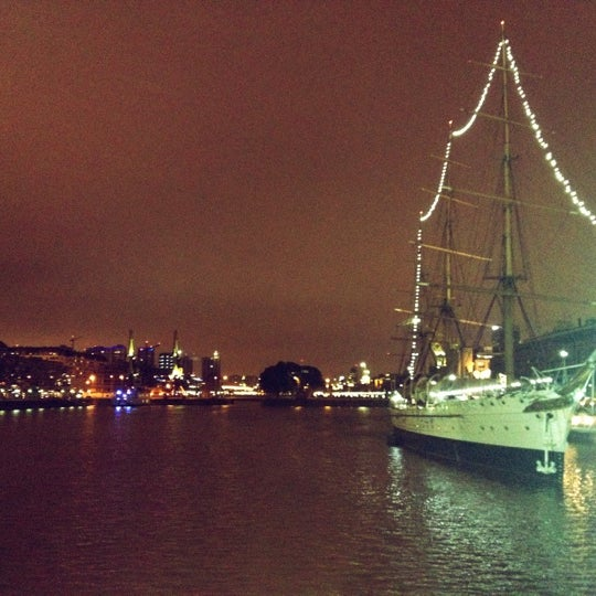 Photo taken at Puerto Madero by Fabiany G. on 9/6/2012