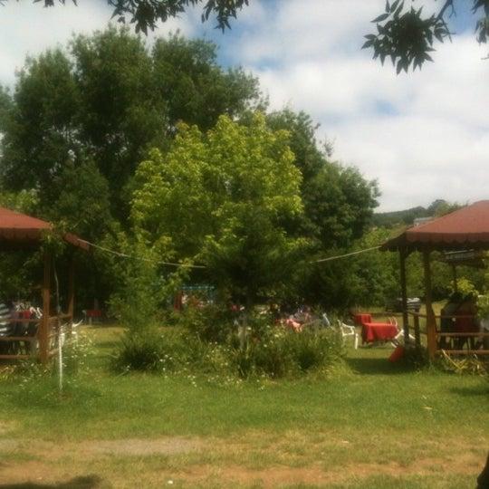 6/10/2012 tarihinde emresahinziyaretçi tarafından Yeşil Çiftlik Restaurant'de çekilen fotoğraf