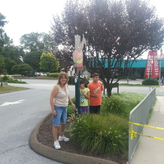Photo taken at Herr's Snack Factory Tour by Mike C. on 8/7/2012