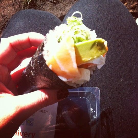 Delicioso el temaki salmon freco mumss!!