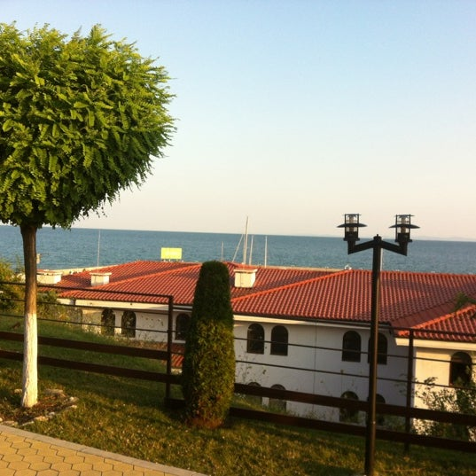 Photo taken at Diamond Restaurant by Ксения К. on 6/30/2012