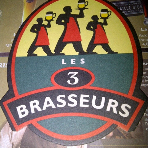 Photo taken at Les 3 Brasseurs by Elizabeth R. on 8/31/2012