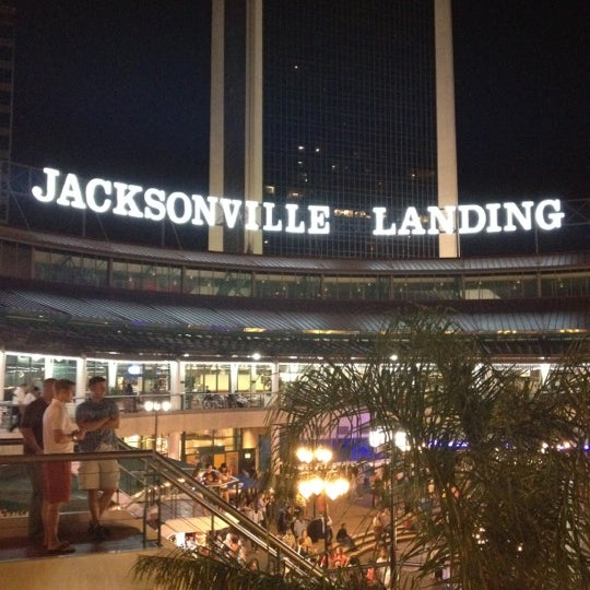 The jacksonville landing shopping mall in jacksonville for Is jacksonville fl a good place to live