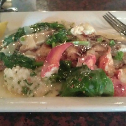 Photo taken at Pappadeaux Seafood Kitchen by Michael D. on 8/15/2012